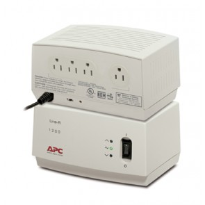 REGULADOR APC 1200VA 120V 4 OUTLET